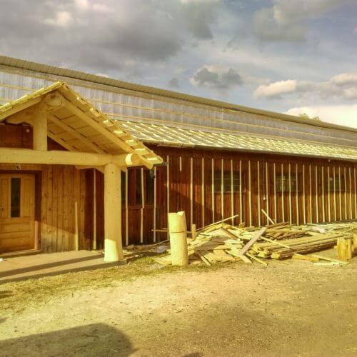 termoizolatie hala din lemn