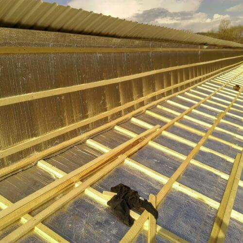 izolatie acoperis hala lemn